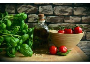 La OCU denuncia un fraude en el etiquetado de aceites de oliva que se venden como extra y no lo son