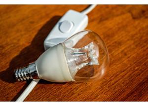 Si trabajas en casa puedes desgravar el consumo eléctrico