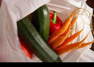Los consumidores prefieren elegir el tipo de bolsa a utilizar en sus compras