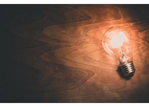 Les 8 mesures del Govern perquè el consumidor acabe pagant el mateix rebut de la llum en 2021 que en 2018