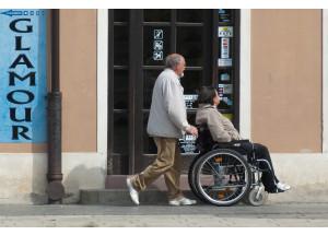 Piden reforzar la protección legal de los consumidores con discapacidad