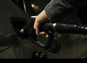 10 formas de reducir el consumo de combustible de tu coche