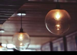 Una guía ofrece consejos para ahorrar hasta un 10% en la factura de la luz