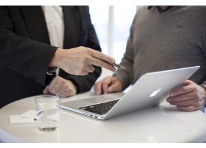 La CNMC pide que se refuerce la información al consumidor sobre garantías y seguros en los contratos a distancia