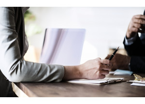 La prescripción para reclamar gastos hipotecarios debe contar desde que el consumidor sabe que la cláusula es abusiva